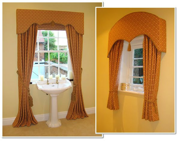 Long and short terracotta curtains for a cloakroom